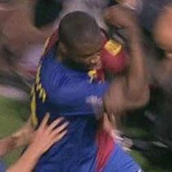 Touré celebró con cortes de manga su gol